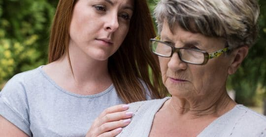 The 10 Early Warning Signs of Alzheimer's Disease and What to Do